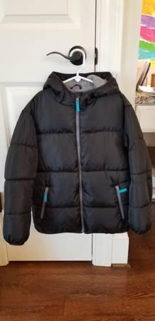 Photo Old Navy boys puffer jacket - $8 (Winston Salem)