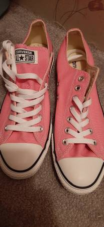 Photo Pink Converse - $20 (East Bend)