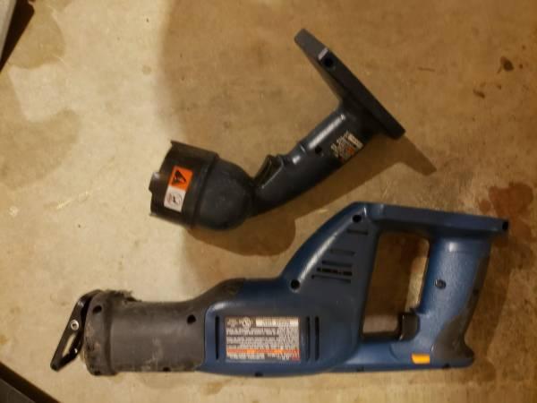 Photo Ryobi Tools Reciprocating Saw  Cordless Worklight - $20 (CLEMMONS)