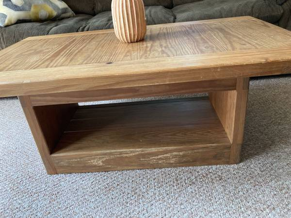 Photo This end up coffee table - $65