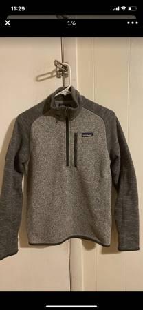 Photo Womens xs Patagonia pullover jacket like new - $50 (Lexington)