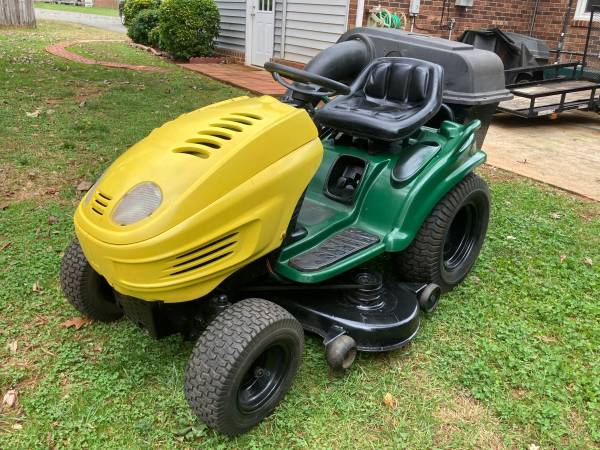 Photo Yard Man Riding Mower 20HP OHV Engine 46quot Cut With Grass Catcher - $730 (King NC)