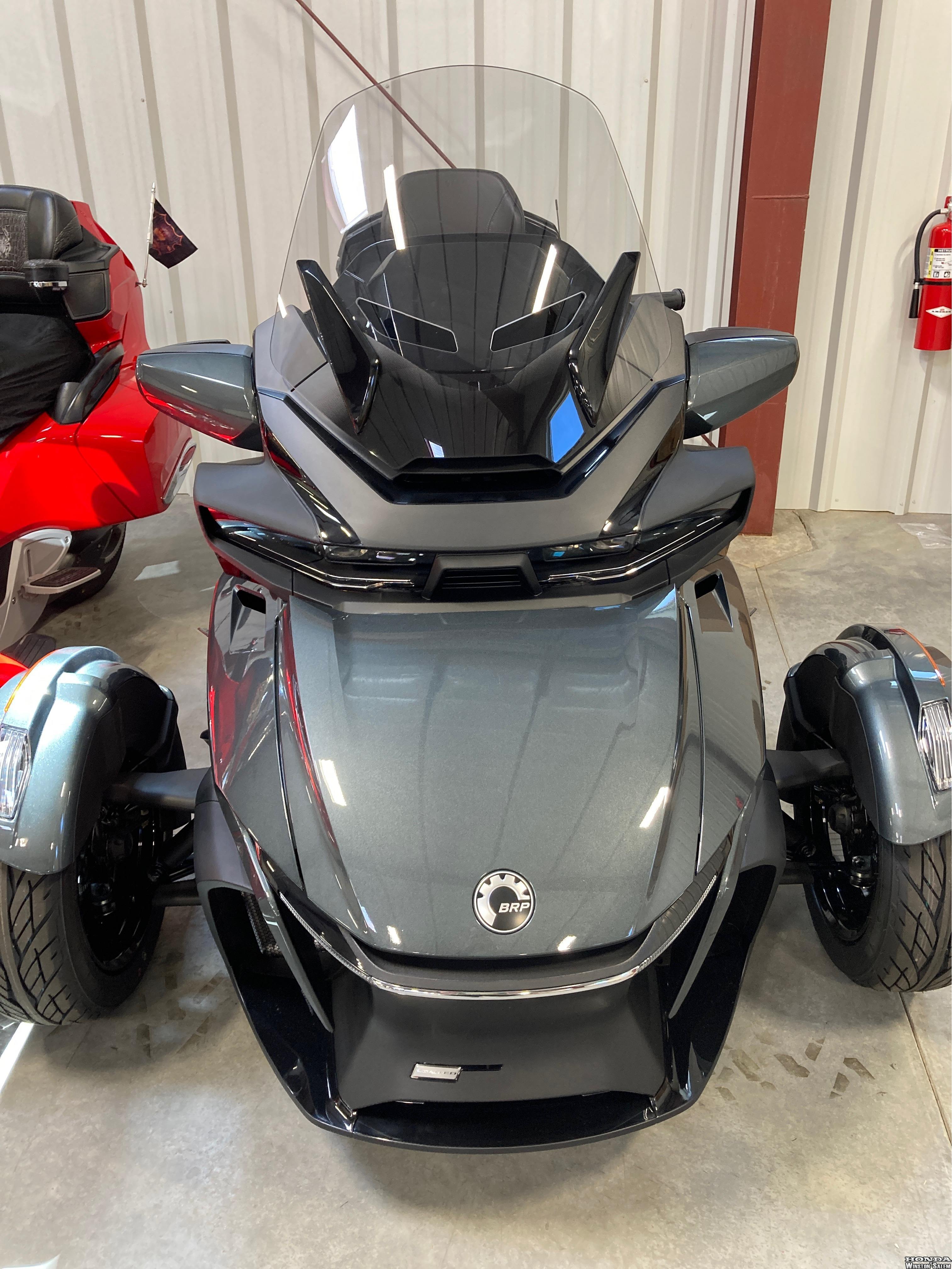Photo 2021 Can-Am Spyder RT Limited Chrome