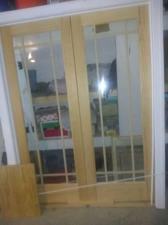 Photo stain grade interior glass doors - $350 (lexington)