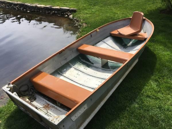 Photo 12 ft aluminum boat - $1,100 (Holland)