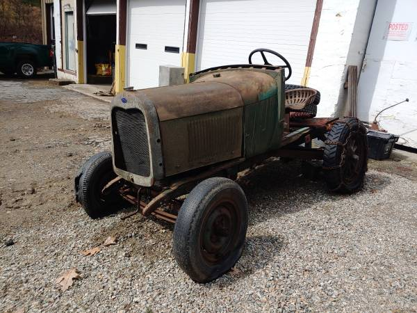 Photo 1929 Ford Model A doodlebug cutdown tractor - $1100