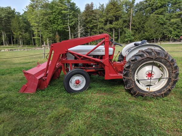 Photo 1961 Ford tractor - $5,800 (Rutland)