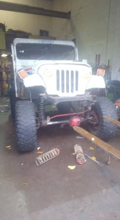 Photo 1983 Jeep DJ5 4WD, monster jeep - $1400 (Marlborough)