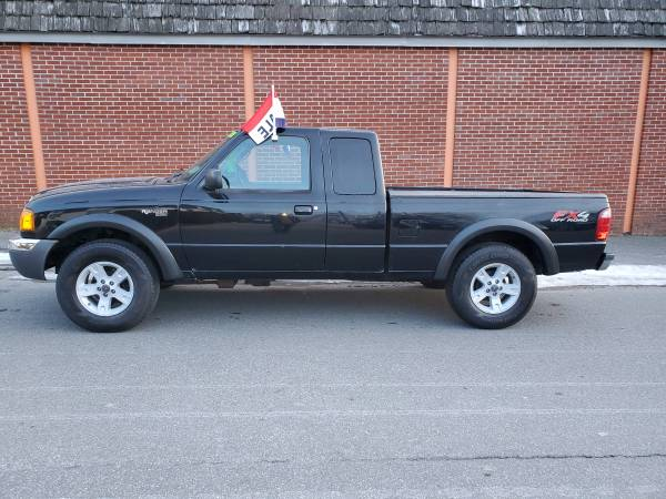 Photo 2004 FORD RANGER XLT FX44x4 - $5995 (Worcester)