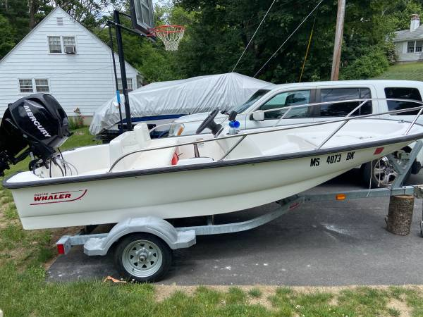 Photo 2008 Boston whaler 130 sport special edition - $12,500 (Northborough Ma)