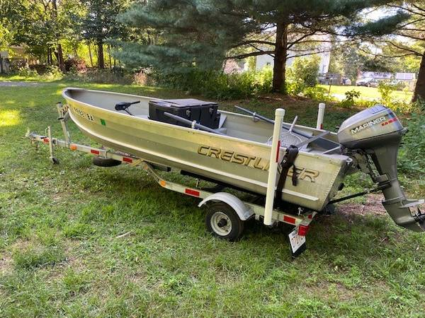 Photo 2008 Crestliner 1439 Aluminum Boat, Trailer  Motors - $2,000 (Leominster)