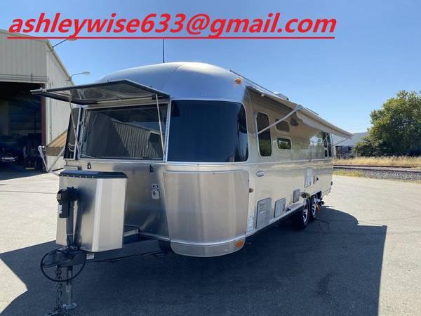 Photo 2012 Airstream International Serenity 28 - $15,000 (Westborough)