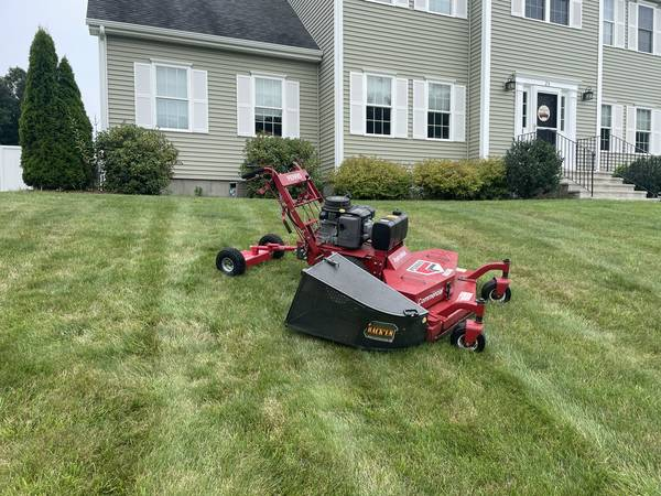 Photo 48quot Ferris Hydro Walk behind commercial lawnmower - $2,200 (Sutton)