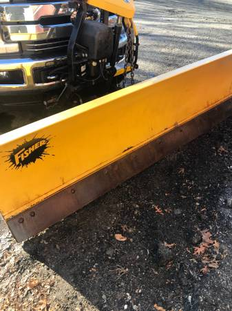 Photo 9ft Fisher snow plow fleet flex 2plug - $2850