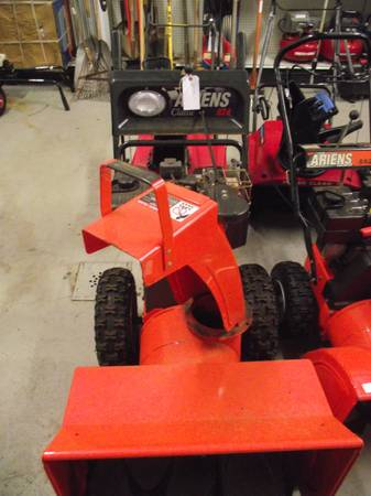 Photo ARIENS 8HP 824 SNOW BLOWER - $475 (WEBSTER)