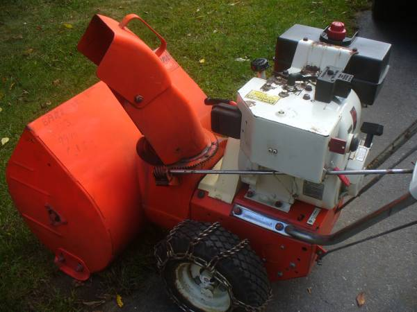 Photo Ariens Snow Blower VINTAGE - $200 (Milford Ma.)
