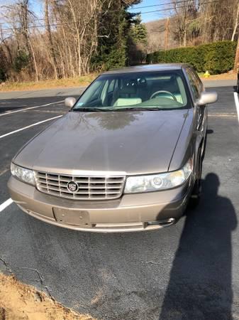 Photo Cadillac Seville sts touring 4dr sedan - $3,500 (West Warren)