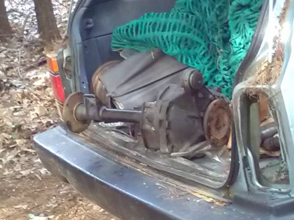 Photo Chevy s10 blazer front differential axle gearbox - $150 (Ashbyma)