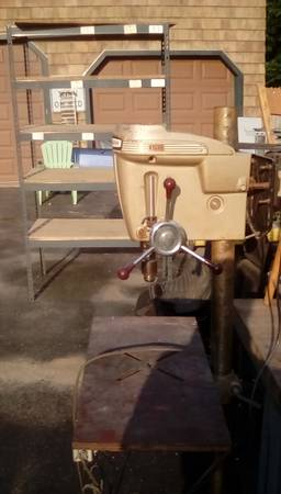 Photo Craftsman drill press - $100