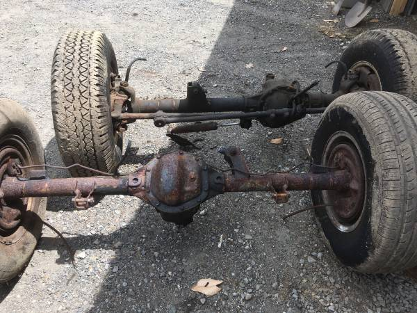 Photo Dana 44 axle for a Jeep yj Wrangler - $400 (Ashby)