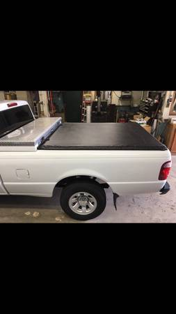 Photo Ford ranger toolbox tonneau cover - $125 (Charlton)