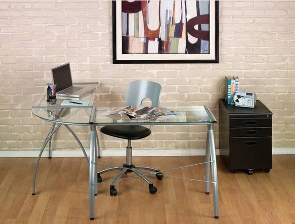Photo Futura Powder-Coated Metal and Glass L-Shaped Workstation Desk - $69 (Webster, MA)