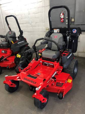 Photo Gravely Pro Turn Z 52 with bagger - $7,358 (Fitchburg)