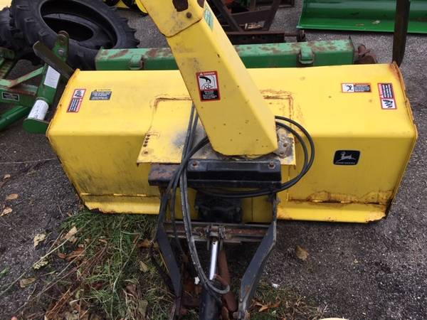 Photo John Deere 59quot Snowblower fits 4200-4400 and 4210-4410 Series Tractors - $3800 (Millbury Ma)