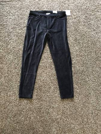Photo NEW Womans CroftBarrow Stretch, Mid Rise Pants, Size XL with tags - $10 (Douglas)