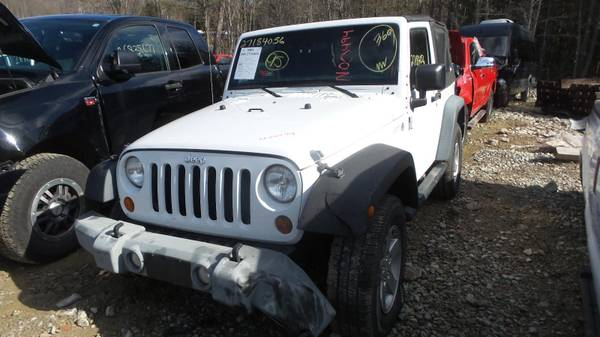 Photo Parting out 2011 JEEP WRANGLER SPORT (Winchendon)