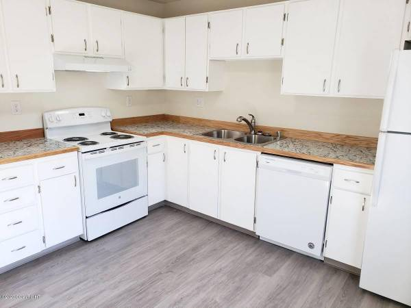 Photo This is really nice 2 bedroom, 1 bath apartment home with large rooms. (Worcester, MA)