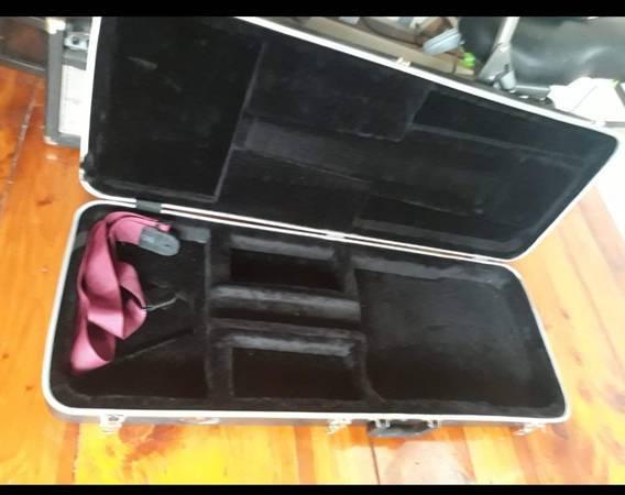 Photo line 6, spider 4 with factory pedal 75 watt - $195 (Gardner)