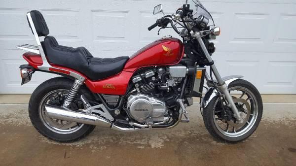Photo 1986 Honda V65 Magna - $4,200 (Rivesville, WV)