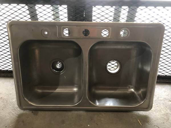 Photo Double bowl stainless steel kitchen sink. - $20 (Shadyside OH)