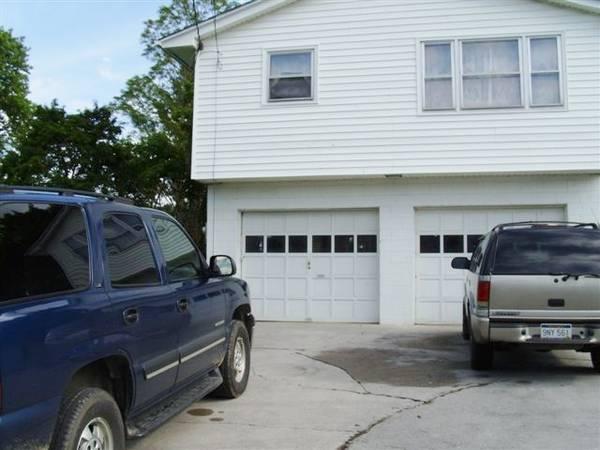 Photo Garage Apt. For Rent (Princeton, WV)