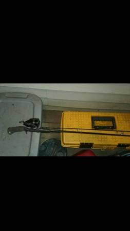 Photo Shimano Fishing Pole - $5 (Tunnelton)
