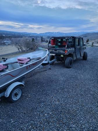 Photo 2000 Lund 12 ft boat with 2020 8 horse tohatsu electric start ez loader trailer - $3,500 (Selah)