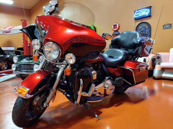 Photo 2013 Harley-Davidson FLHTK Electra Glide Ultra Limited - $10,500 (Edmonds)