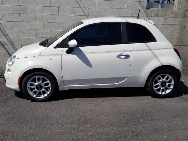 Photo 2013 fiat 500, cold ac, 107k miles, excellent mpg great commuter - $3,495 (Yakima, WA)