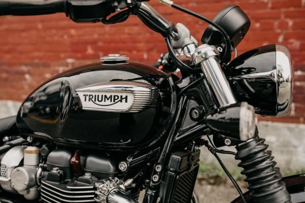 Photo 2020 Triumph Bonneville Speedmaster - Jet Black - $12,150 (TRIUMPH OF SEATTLE)