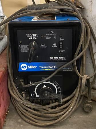 Photo 225 Amp Miller Thunderbolt Welder - $475 (yakima)