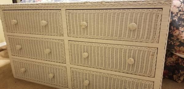 Photo 6 drawer white wicker dresser - $265 (Yakima)