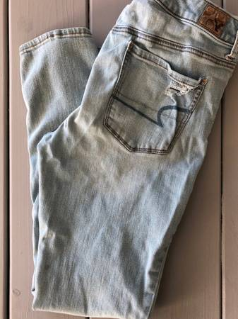Photo American Eagle Jeans Size 10 - $15 (Yakima)