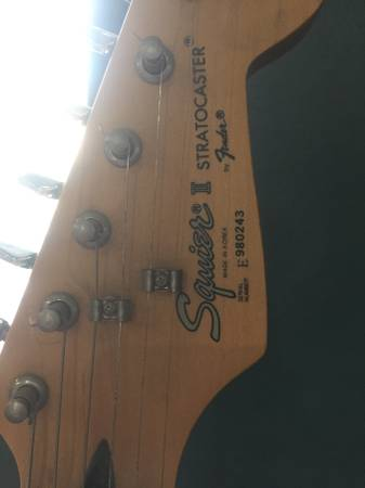 Photo Fender stratocaster squire guitar. - $300 (white swan, WA)