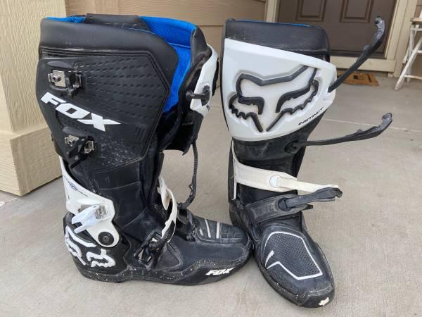 Photo Fox Instinct MX Boots - $250 (Yakima)