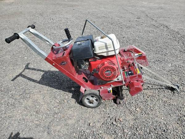 Photo MK Diamond gas powered walk behind standard concrete saw - $2,600 (Yakima)