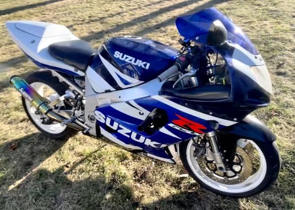 Photo Price reduced 03 Suzuki GSXR 750 superbike - $2,800 (Coeurdalene)