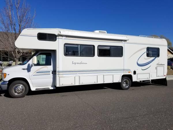 Photo REDUCED - 2000 Coachmen Leprechaun Motorhome Class C, 31.5 ft - $17900 (West Richland)