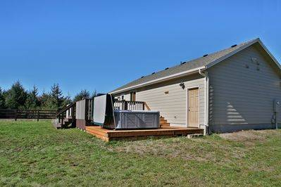 Photo Red Sky Cottage, Hot tub, Fire Ring, Comforts of Home (Ocean City, Ocean Shores, Washington USA)