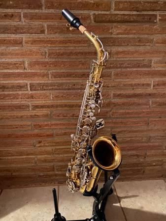 Photo Selmer Bundy II Alto Sax - $299 (Burien)